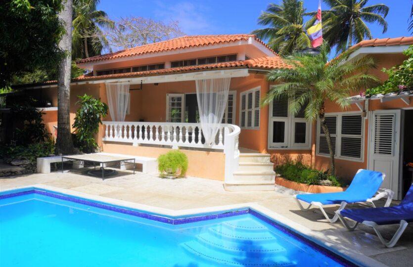 3 Bedroom Surf Beach Villa