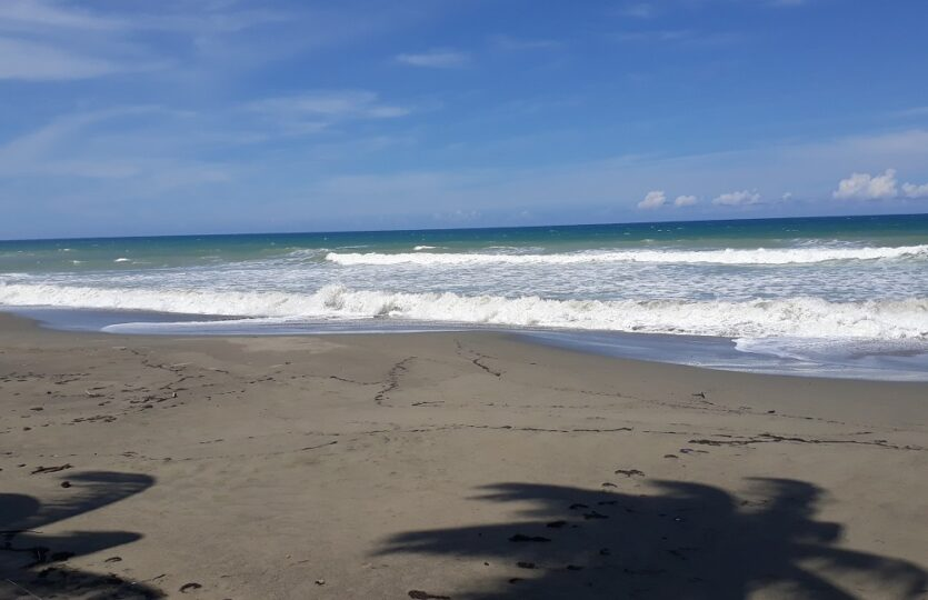 Las Canas Beach Lot