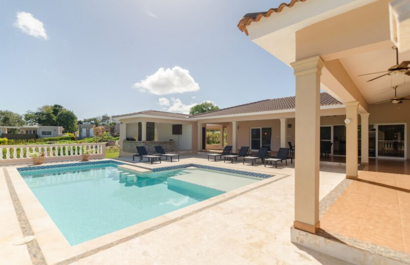 Tropical 2 Bedroom Villa